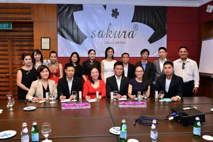 Bác sĩ Huệ họp mặt đại diện Sakura Nhật Bản - Điều trị mụn Dr Huệ - Hình 1