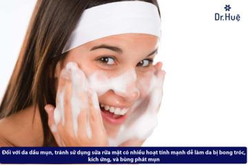 Những cách chăm sóc da mặt bị mụn và nhờn hiệu quả tại nhà.