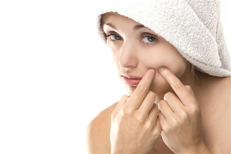 Những lưu ý khi điều trị mụn cho da nhờn