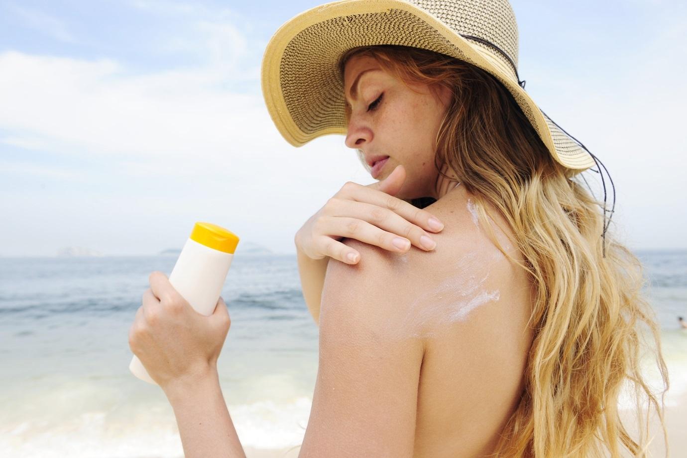 Sài Gòn nắng nóng bất thường, bạn đã làm gì để bảo vệ da? - Điều trị mụn Dr Huệ - Hình 3