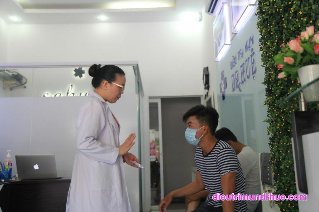 Tại sao bạn nên chọn Trung tâm Điều trị mụn Dr.Huệ để điều trị? - Điều trị mụn Dr Huệ - Hình 4