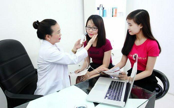 Nơi điều trị mụn hiệu quả uy tín nhất tại Tp.HCM - Điều trị mụn Dr Huệ - Hình 1
