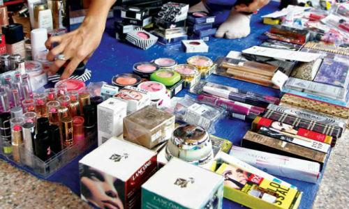 Đừng nên sử dụng những loại mỹ phẩm không rõ nguồn gốc