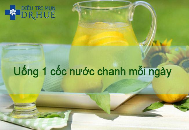 uong nuoc chanh tri mun